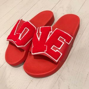 Tory Burch red LOVE sandals new flip flop slides